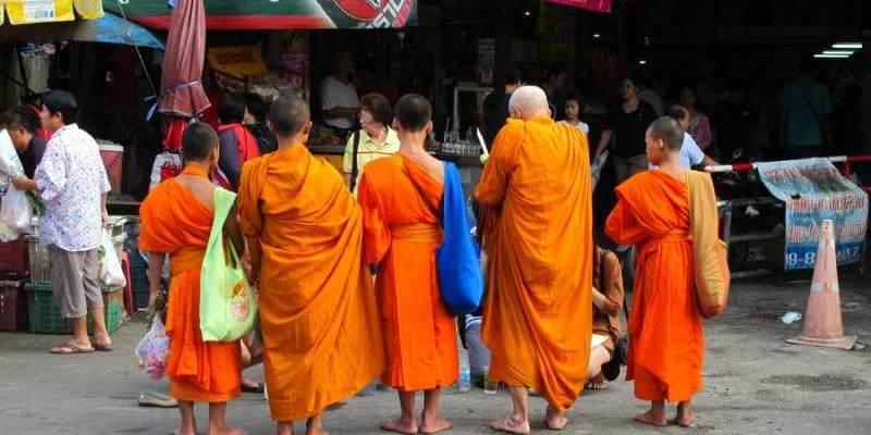 Monjes budistas en Chiang Mai