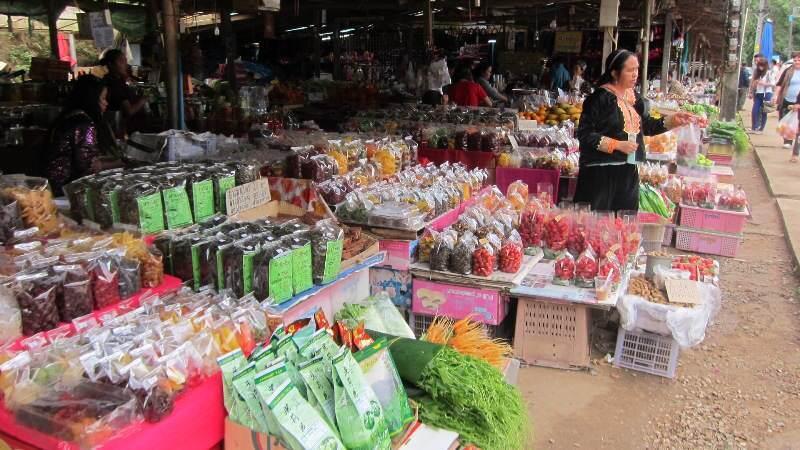 Mercado local que ver en  Doi Inthanon