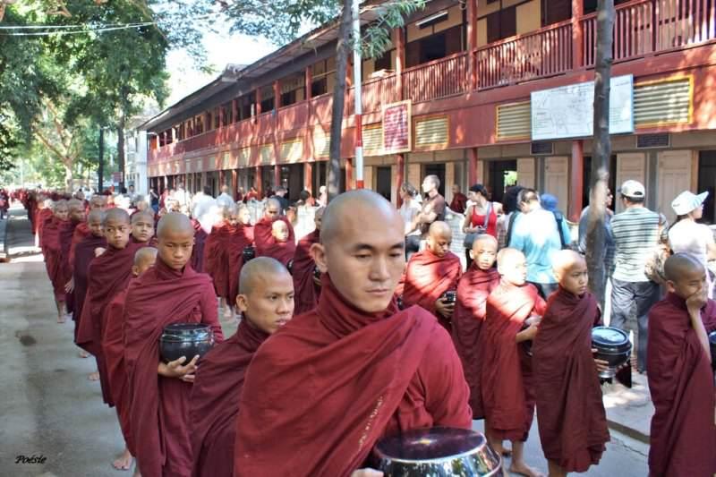 Templos en los alrededores de Mandalay