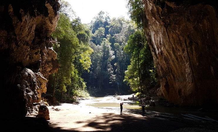 Cueva de Tham Lod entre Pai y Mae Hong Son