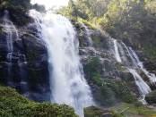Cascada de Wachiratan en Agosto