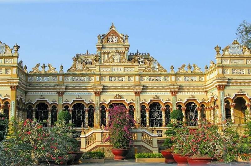 Pagoda Vinh Trang en el delta del Mekong