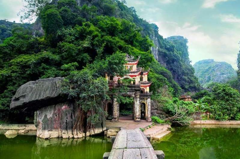 Pagoda de Bich Dong en Trang An
